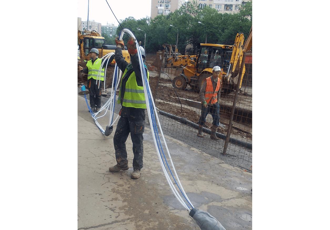 Engineer installing GXB-2 Borehole Rod Extensometer before installation on Bucharest Metro