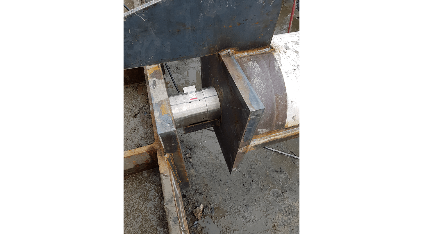 Vibrating wire solid load cell VWLC-5500 monitoring strut loads