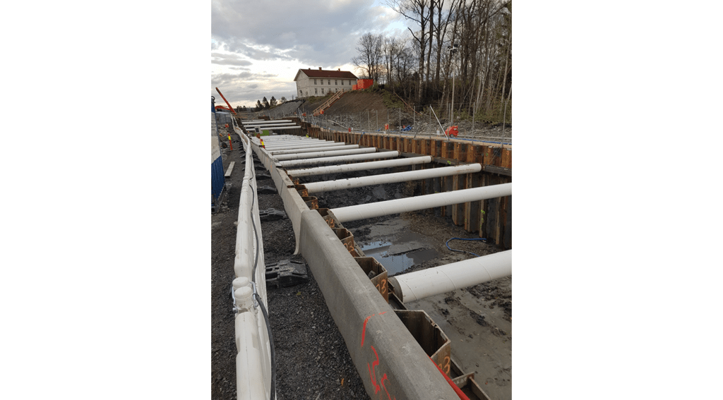 Cofferdam with struts for construction on new rail track in Norway