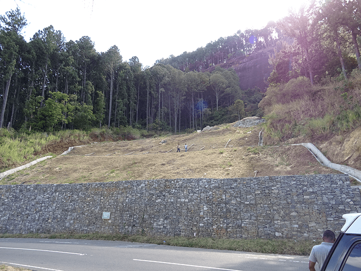 Gabions stabilising toe of instrumented slope in CRiP project