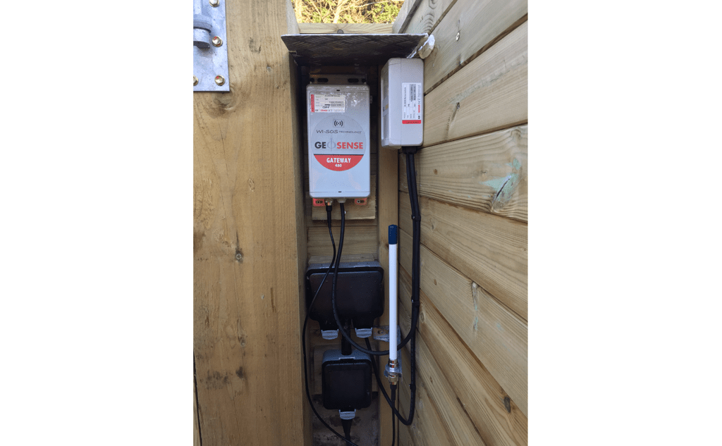 WI-SOS 480 Gateway mounted on wooden pole