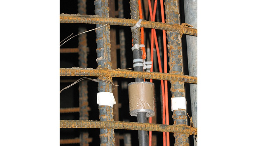 Vibrating wire Sister Bars tied to pile cage