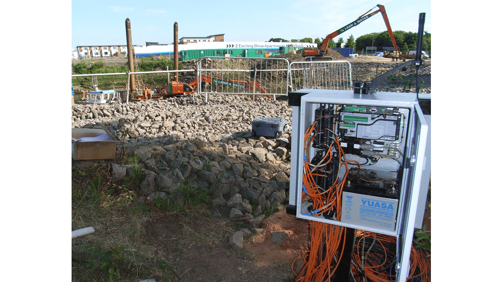Geosense CR series datalogger in steel cabinet at Pudzeoch basin