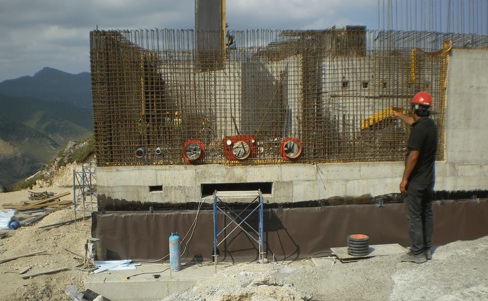 Preparation of installation of horizontal inclinometers in Shahdag leisure centre co nstruction