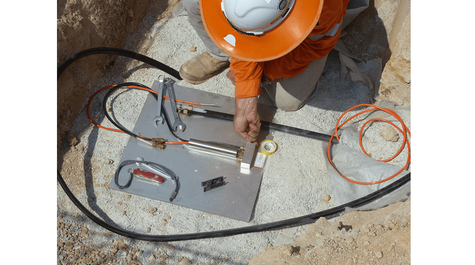 Installing VWLLS-200 settlement plate at Manjung iron ore handling plant