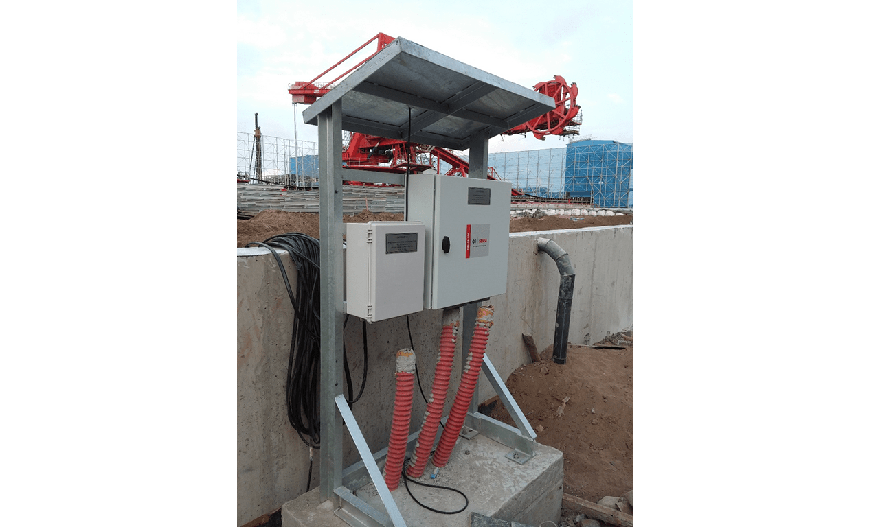 VW liquid level VWLLS-200 reservoirs mounted on wall at Duyen Hai 3 Power Plant