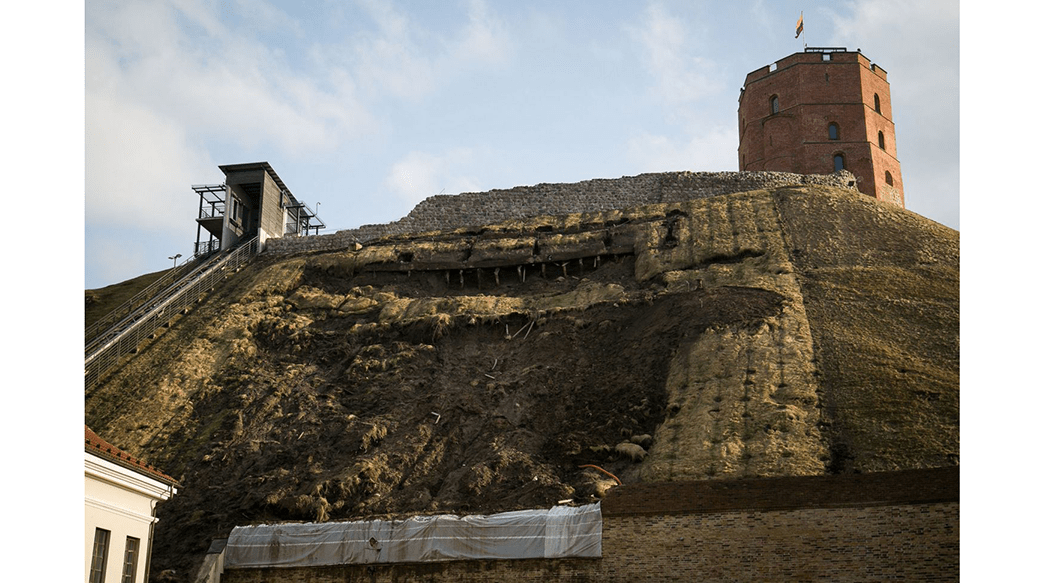 Failure of repair at Gediminas castle