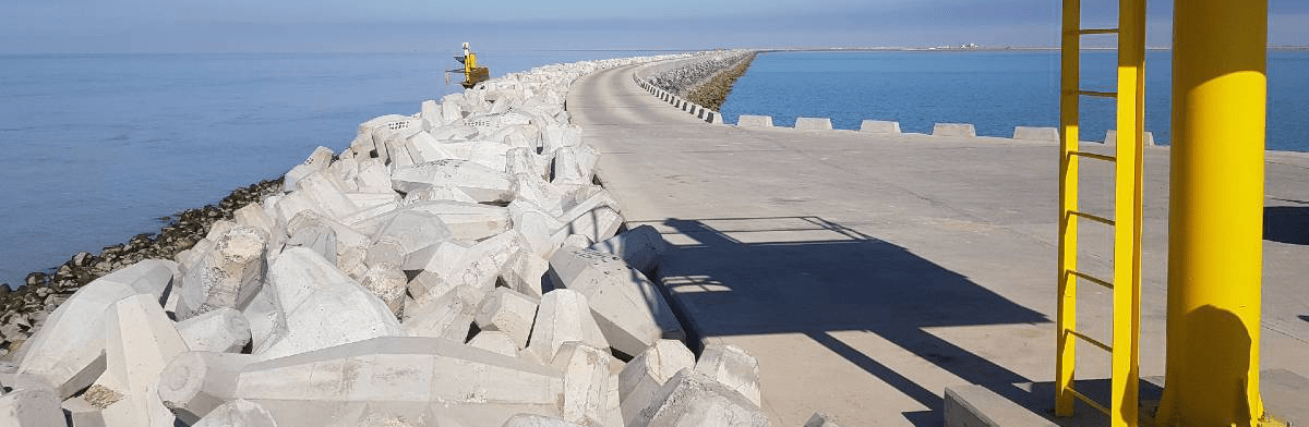 Al Faw port jetty with erosion protection