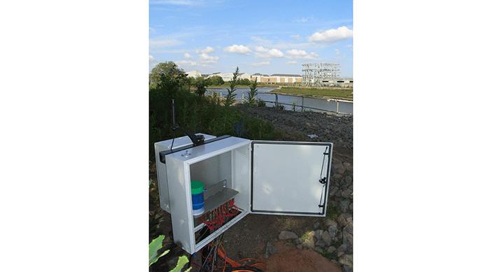 Vibrating wire settlement reservoir in cabinet at Pudzeoch basin
